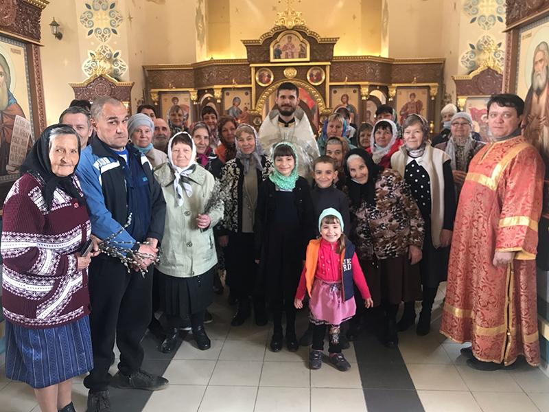Священники из многоклирных приходов Ульяновска в пасхальную ночь будут служить в сельских храмах